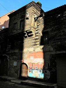 Jutting angles persembe pazari Istanbul better